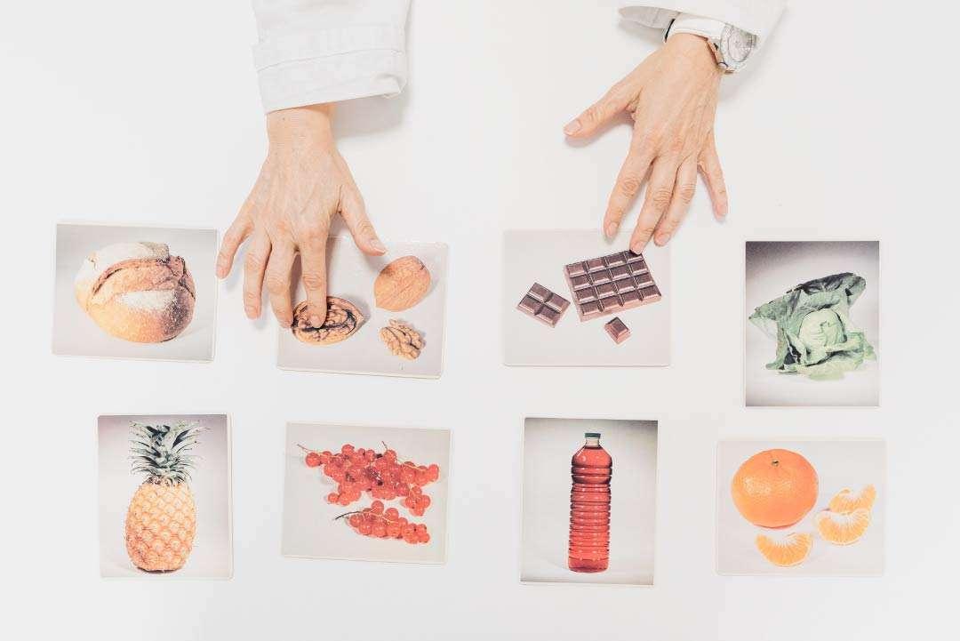 mani_dottore_indicano_foto_alimenti_san_camillo_torino_portfolio_hitlife_agency
