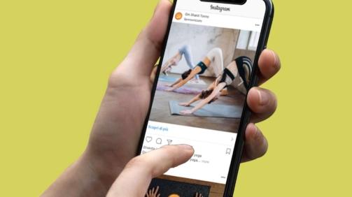 campagna di comunicazione instagram scuola yoga tre donne si allenano